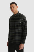 Traditionelles Hemd aus Baumwollflanell