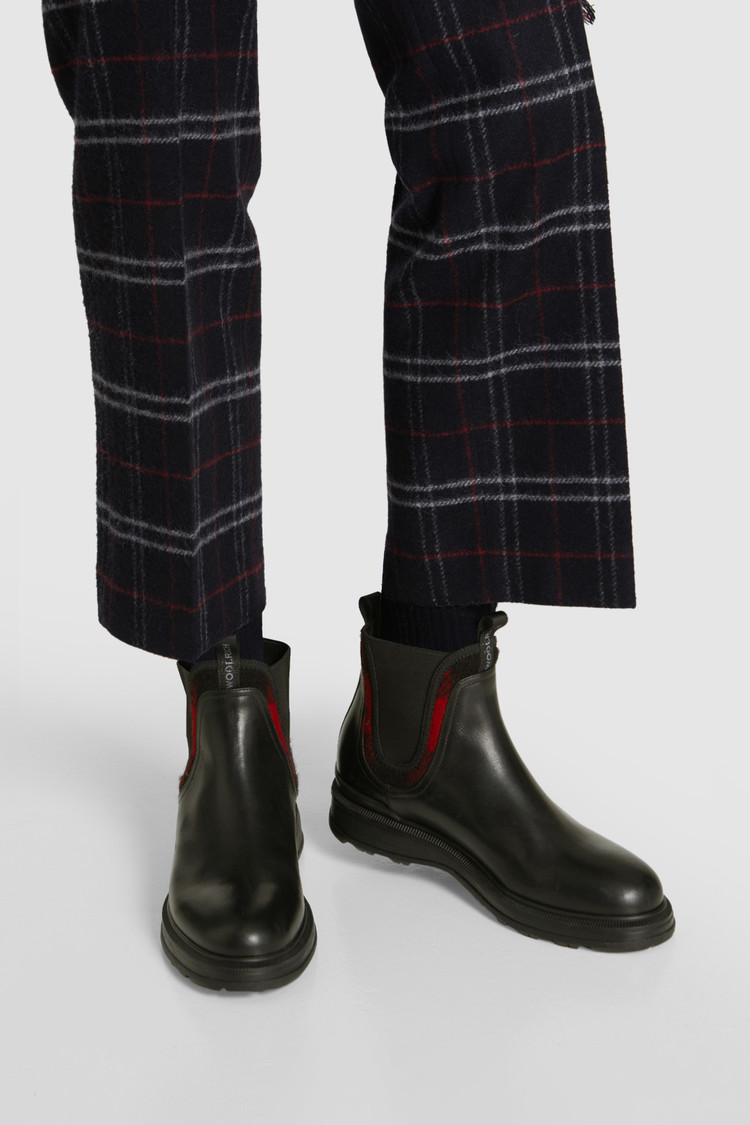 Chelsea Boot With Check Pattern